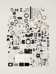 Things Come Apart by Todd McLellan - in pictures Canadian photography Todd McLellan takes everyday objects aparts, organizes the pieces in artful arrangements, and then photographs them. A Level Photography, Object Photography, Photography Classes, Photography Ideas, Things Organized Neatly, Collections Photography, Modern Canvas Art, Coming Apart, Take Apart