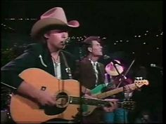 Dwight Yoakam // Guitars Cadillacs This song was me and my roommates fav one to dance too! I Love Music, Kinds Of Music, Good Music, Greatest Country Songs, Best Songs, Country Music Videos, Country Music Singers, Dwight Yoakam, Music People