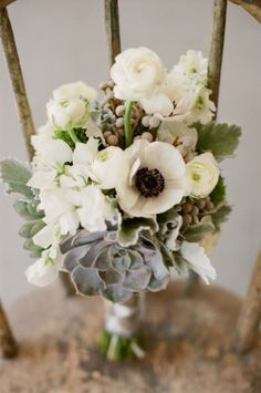 White and Green Succulent Bouquet   photography | http://erickelleyphotography.com/  floral design | http://www.valeofenna.com/
