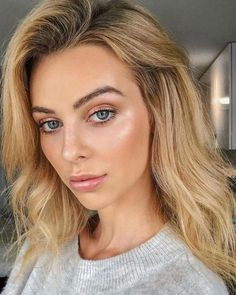 Amazing 50 Charming Summer Makeup Ideas That You Must Try #NaturalBodyScrub Natural Makeup For Blondes, Natural Summer Makeup, Natural Makeup Looks, Simple Makeup, Natural Beauty, Minimal Makeup, Natural Curls, Natural Skin, Best Wedding Makeup