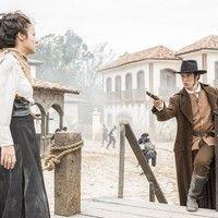 Reta final: Rubião aponta arma para Joaquina e a ameaça