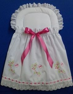 portabebe recien nacido - Buscar con Google Baby Net, Baby Shawer, Embroidery On Kurtis, Kurti Embroidery Design, Diaper Bag Organization, Baby Frocks Designs, Diy Baby Gifts, Baby Crib Bedding, Fairy Dress