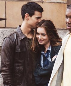 Lily Collins & Taylor Lautner