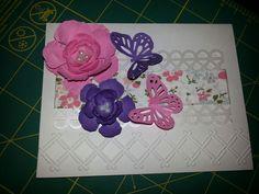 Flores y mariposas.