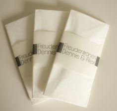 """Individualisierbare, moderne Freudentränentaschentücher.  **Passend zu der Papeterie-Serie """"Schlichte Eleganz"""" in meinem Shop.** Ich ändere die Banderole euren individuellen Text- und..."""