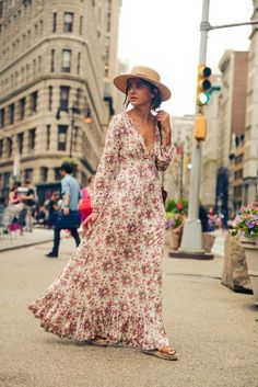 Maxi dresses like this one on Alexandra of Lovely Pepa won't overwhelm your frame as long as the fit is flattering and accessories are minimal. #Fashion #Style