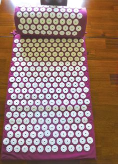Purple Cotton Acupressure Mat Set includes neck pillow and acupressure mat-Pressure Point therapy for back and neck - Mat and Pillow Set. Helps relieve soreness in back and neck.You just rest for 15-20 minutes and allow the soreness to melt away. Come visit us at www.greenOMgreen.com and take 10% extra discount when you sign up. Happy Healing
