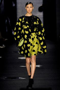 Decorating with commas, DVF? Awesome!