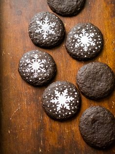 Wonderful soft & chewy dark chocolate gingersnap cookies! And fun holiday stencil designs too.