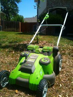 """GreenWorks 25302 G-MAX 20"""". All battery power! Excellent mower. Sounds like a swarm of bees in operation. I love not hearing a noisy fuel combustion engine."""