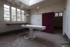 Maids morgue  More photos and full report on my website: www.urbex.wtf  #urbex #urbanexploration #abandoned #derelict #empty #jj_urbex #jj_abandoned #decay_nation  #urbex_prestigious #urbex_supreme #urbxtreme #europe_decay #urbex_junkies #urbandecay #abandoned_junkies #urbexnetwork #ic_urbex #ig_urbex #ig_abandoned #the_relics #grime_lords #all_is_abandoned #igw_decay #kings_abandoned #shoot2kill #instagood #justgoshoot #decay_and_style #bpa_urbex