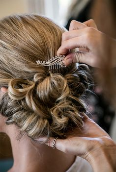 Hair And Make Up Marbella Blow Drys To Weddings On The Costa Del Sol- professional hairstyles wedding professional hairstyles brunette Wedding Hair Tips, Beach Wedding Hair, Classic Hairstyles, Braided Hairstyles For Wedding, Formal Hairstyles, Bride Hairstyles, Hairstyles Haircuts, Hairstyles With Glasses, Hairstyles For Round Faces