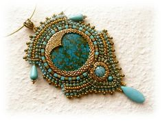 * Katalin Budaine Nagy - Gold and turquoise bead embroidered necklace - OOAK.