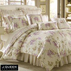 I have been looking for a long time for a wisteria pattern bedding set. It's very pricey, so it's now on my wish list.