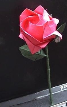 Folding origami roses graphic tutorial taught you how to make beautiful paper roses