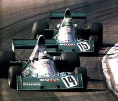 Dijon 1974:  Jean Pierre Beltoise, BRM P201 leads Henri Pescarolo, BRM P201