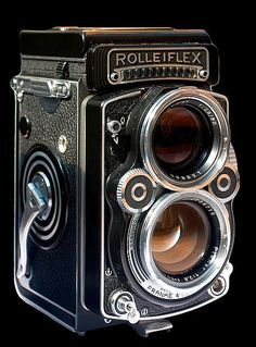 Rolliflex Twin lens reflex. Anyone needing an idea of what to get me for my birthday, well here you go! Dream Camera!