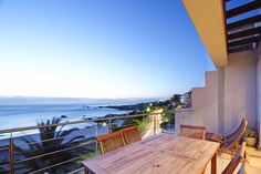 Vacation Apartment in Camps Bay walking distance from the Beach