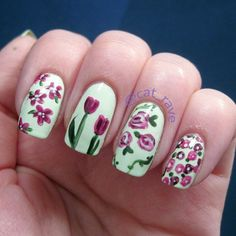 Floral nails by @catrave