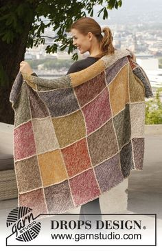 """Queen of Diamonds / DROPS - Knitted DROPS blanket in garter st with squares in 2 threads """"Alpaca"""". - Free pattern by DROPS Design Hand Knit Blanket, Crochet Blanket Patterns, Knitting Patterns Free, Free Pattern, Alpaca Blanket, Knitted Afghans, Knitted Blankets, Drops Design, Soft Blankets"""