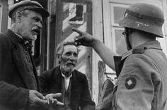 Litauen, Soldat mit jüdischen Männern
