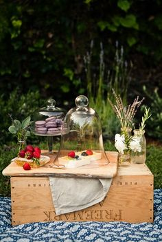 Pretty picnic table & spread. Lovely repurposed crate come table!