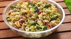 Salade de pâte à la vinaigrette à 0 point Weight Watchers, recette d'une salade froide rapide et facile à réaliser chez vous.