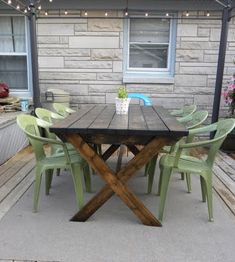 I may have to DO THIS. Lawn chairs painted at the kitchen table:)  Spray painted plastic furniture?