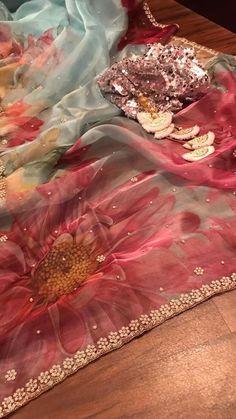 Designer Sarees Wedding, Indian Designer Sarees, Indian Silk Sarees, Saree Wedding, Grey Saree, Purple Saree, Organza Saree, Embroidery Fashion, Fancy Sarees
