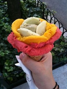 Amorino Ice Cream in Paris  Flavors added like petals