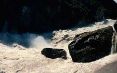 falls water going down
