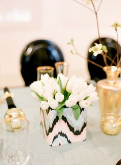 Crazy pretty #tulip centerpiece | Photography: lisalefkowitz.com | Styling: gloriawongdesign.com + jubileelauevents.com