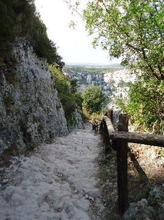 Sentiero per i Laghetti di Cava Grande