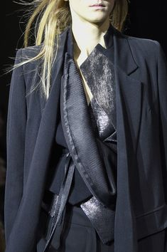 Ann Demeulemeester at Paris Fashion Week Fall 2016 - Details Runway Photos