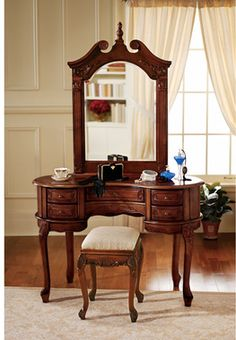 Design Toscano The Queen Anne Dressing Table and Mirror - Home Furniture Showroom Dressing Table Design, Dressing Table Vanity, Vanity Tables, Table Mirror, Dressing Mirror, Dressing Area, Diy Vanity Mirror, Wooden Vanity, Vanity Ideas