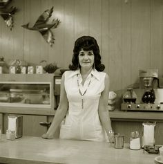 Steve Fitch, Truckstop waitress, Highway Gallup, New Mexico, 1972 Pedro Martinelli, Gallup New Mexico, Olivia Parker, 1970s Hairstyles, Narrative Photography, Hair Today, White Photography, People Photography, Vintage Photos