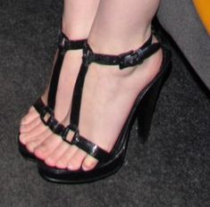 fbbf1d98423f Celebrity Feet  April 2013 Black Sandals