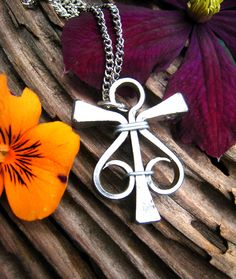 Magical, Equestrian Jewelry, Metal Horseshoe Nail Pendant (SHNP040S)
