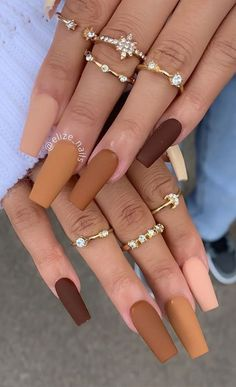 Brown Acrylic Nails, Simple Acrylic Nails, Brown Nails, Best Acrylic Nails, Acrylic Nail Designs, Simple Nails, Brown Nail Designs, Acrylic Nails With Design, Simple Stiletto Nails