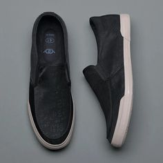 Black Vulcanized Canvas Men's Casual Shoes Breathable Flat Loafers | Touchy Style Best Casual Shoes, Casual Slip On Shoes, Casual Sneakers, Trendy Shoes, Discount Shoes Online, Mens Shoes Online, Black Leather Sneakers, All Black Sneakers, Loafers Men