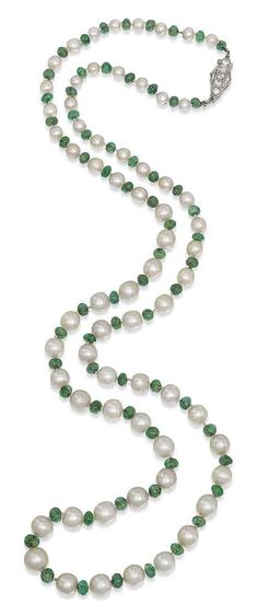 A PEARL AND EMERALD NECKLACE