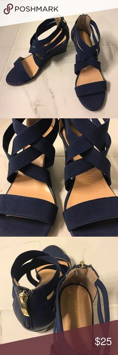 Liz Claiborne Heel Wedge Navy Blue Sz 7 👌🏽🎄 worn once! Questions? Ask away! Liz Claiborne Shoes Wedges