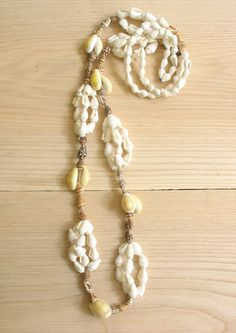 Vintage shell necklace. Tropical shell by SwanDiveVintage on Etsy, $10.00