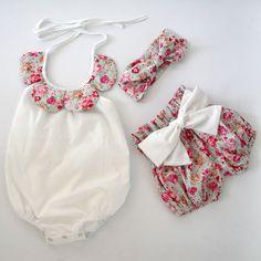 2015New arrivée bébé enfant d'été de boutiques bébé filles vintage floral à volants cou barboteuse tissu avec arc noeud shorts bandeau