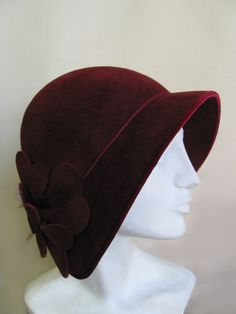 Sometimes it takes you a while to find the talent of such an exquisite milliner and that is the case of Mandy Murphy. Mandy& work speaks f. Fishers Hat, Bonnet Hat, Fancy Hats, Love Hat, Hat Shop, Hat Hairstyles, Red Hats, Derby Hats, Hat Making