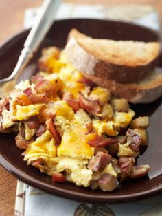 The bacon seasons the potatoes in this hearty skillet meal. Make it for a weekend breakfast, and serve with fresh fruit. BACON-HAM-AND EGG HASH Best Brunch Recipes, Bacon Recipes, Egg Recipes, Cooking Recipes, Potato Recipes, Dinner Recipes, Favorite Recipes, Breakfast Desayunos, Breakfast Dishes