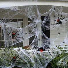 Outside Halloween Decorations, Halloween Outside, Halloween Dance, Halloween Porch, Outdoor Halloween, Halloween Projects, Halloween Party Decor, Halloween Yard Ideas, Halloween Yard Displays