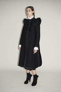 http://www.vogue.com/fashion-shows/pre-fall-2017/sonia-rykiel/slideshow/collection