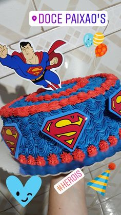 Bolo Decorado Com Chantilly Tema Superman Bolos Em 2019 Birthday