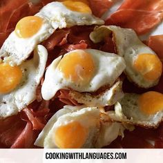 Simple but scrummy ... Ham and eggs  Jamón Serrano con Huevos de Cordoniz  We make #languagelearning fun! #aprenderingles #aprenderespañol #learnspanish #learnenglish #mfl #bilingual #cookingwithlanguages #cooking4kids #language #ahamijas #easyrecipe Watch out for our #Kickstarter campaign for new and exciting ideas! http://ift.tt/29jAulY